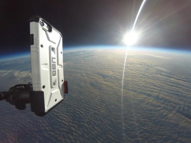 Впервые iPhone 6 запустили в космос
