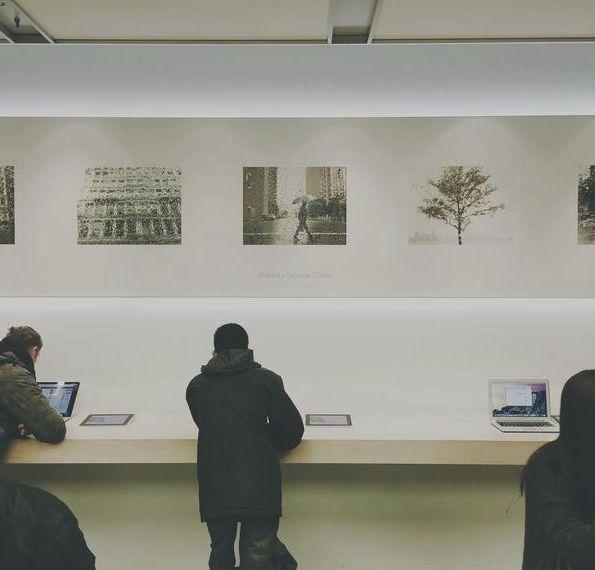 Несколько Apple Store стали похожими на музей искусства