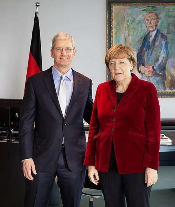 Тим Кук побывал в гостях у канцлера Германии