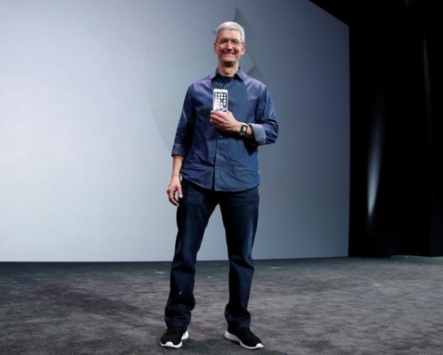 Тим Кук рассказал о стратегии продаж Apple Watch в будущем