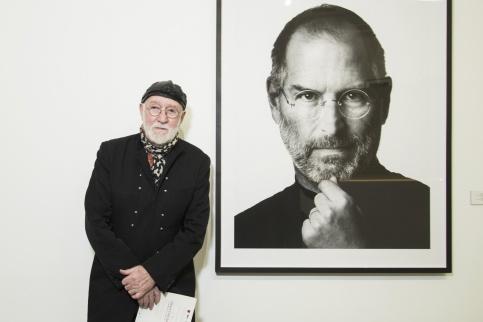 Фотограф Альберт Уотсон поделился, как ему удалось сделать известный на весь мир снимок Джобса